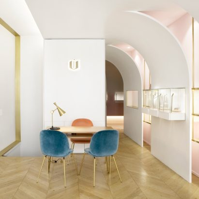 Nuun jewellery shop by Java Architectes