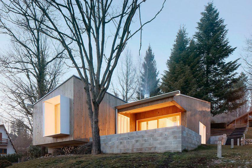 prefab-cottage-pyrenees-marc-mogas-architecture-residential_dezeen_2364_col_4