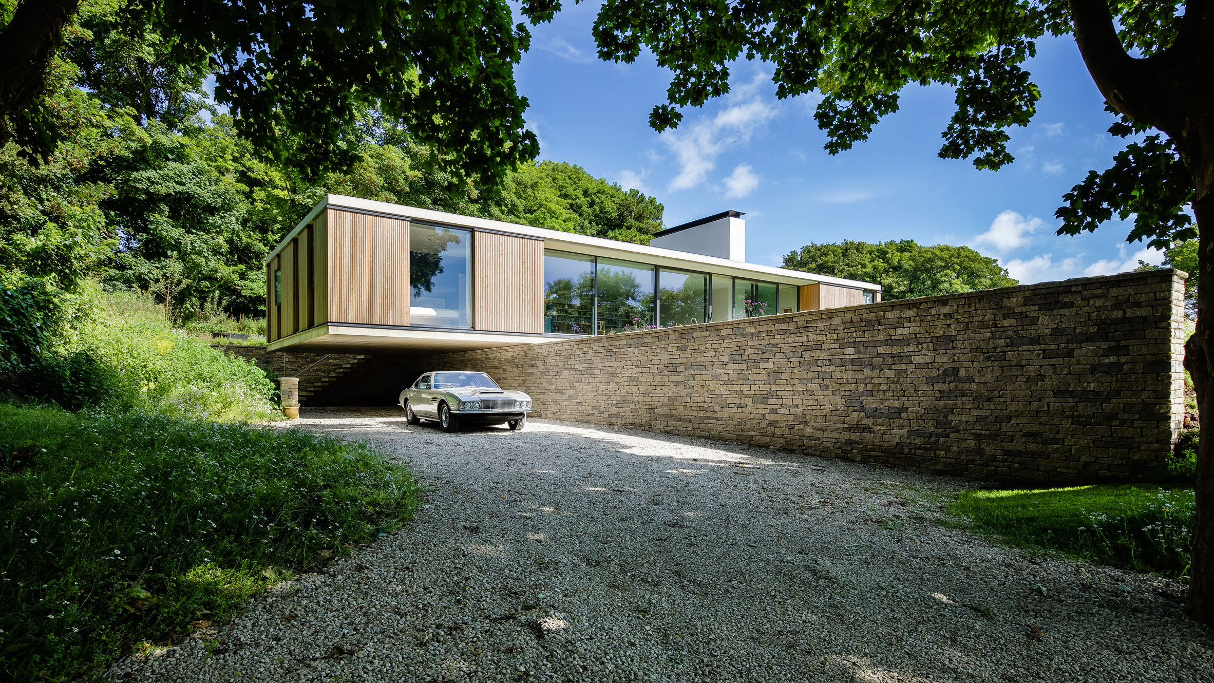 "Ström Architects completes contemporary bungalow that eschews ""staid"" retirement home model"