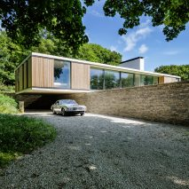quest-strom-architects-swanage-dorset-uk-residential-architecture-houses_dezeen_sq