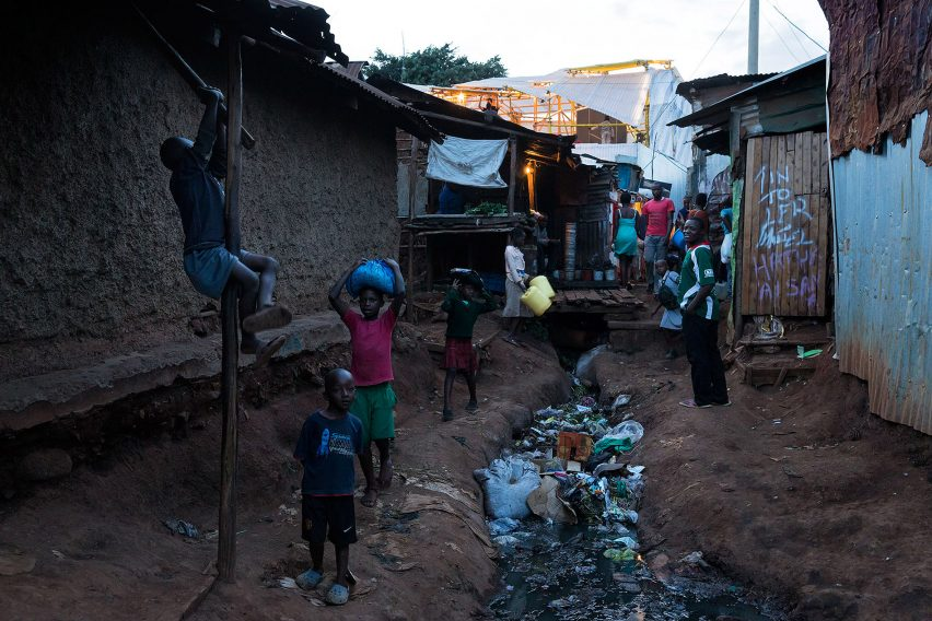 selgas-cano-second-home-project-in-kibera-rohan-silva_dezeen_2364_col_4