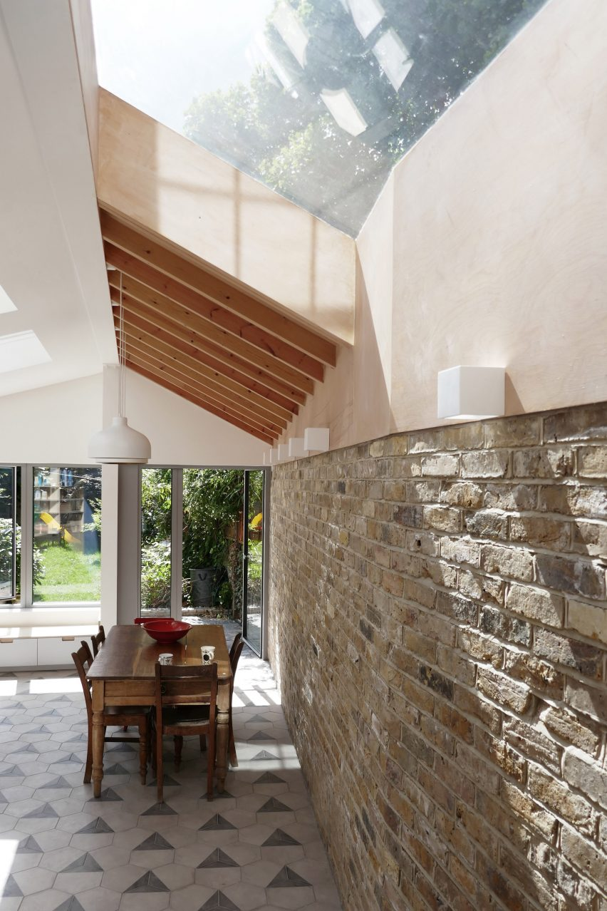 stamford-road-pamphilon-architects-london-extensions-residential-architecure-houses-uk_dezeen_2364_col_2