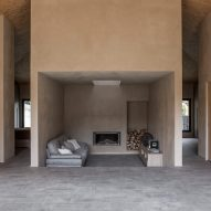 Lorenzo Guzzini references Japanese tea houses with simple home in Italian alps