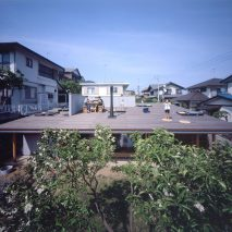 Roof House by Tezuka Architects