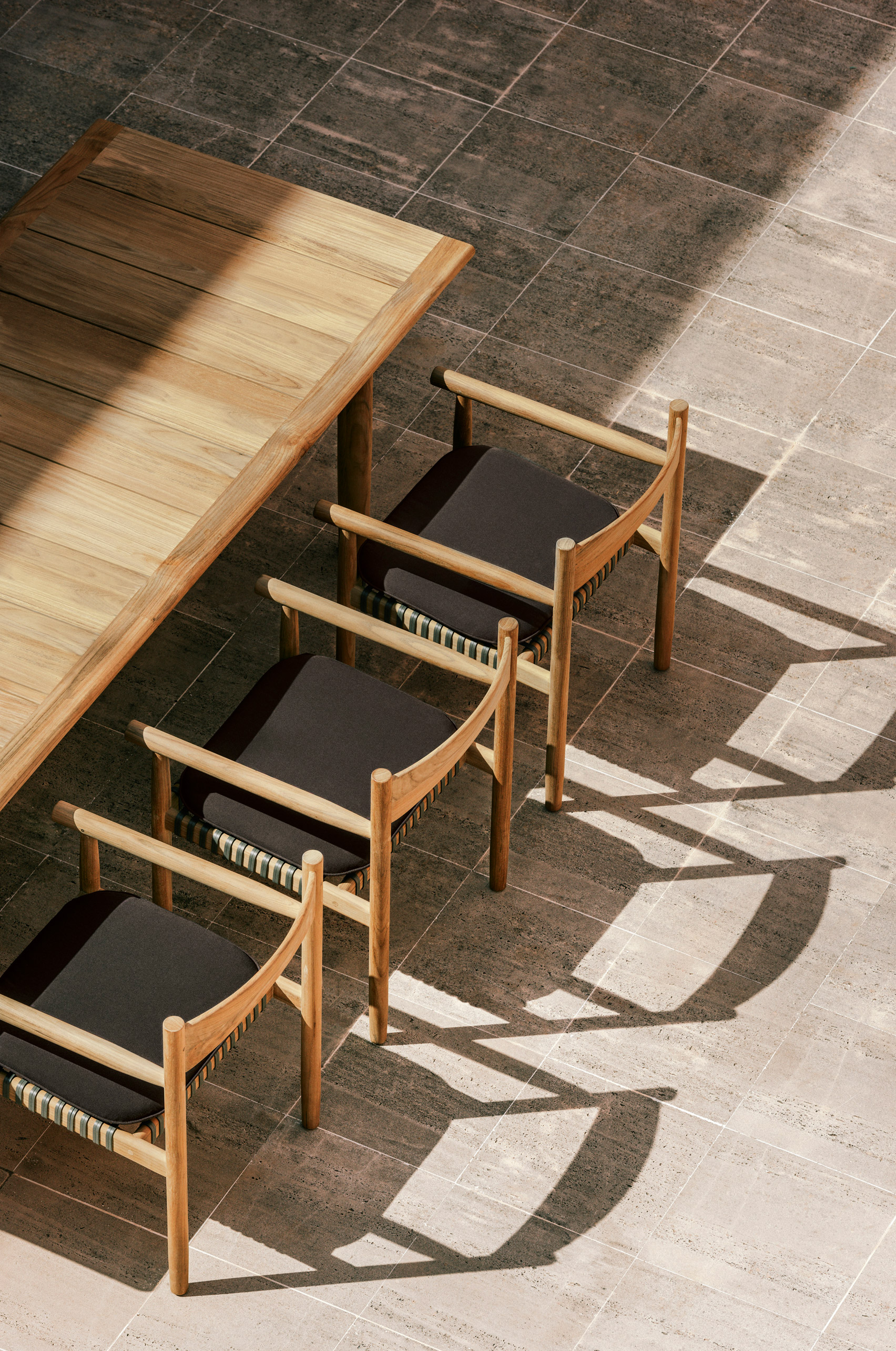 3Novices Barber and Osgerby unveil outdoor furniture