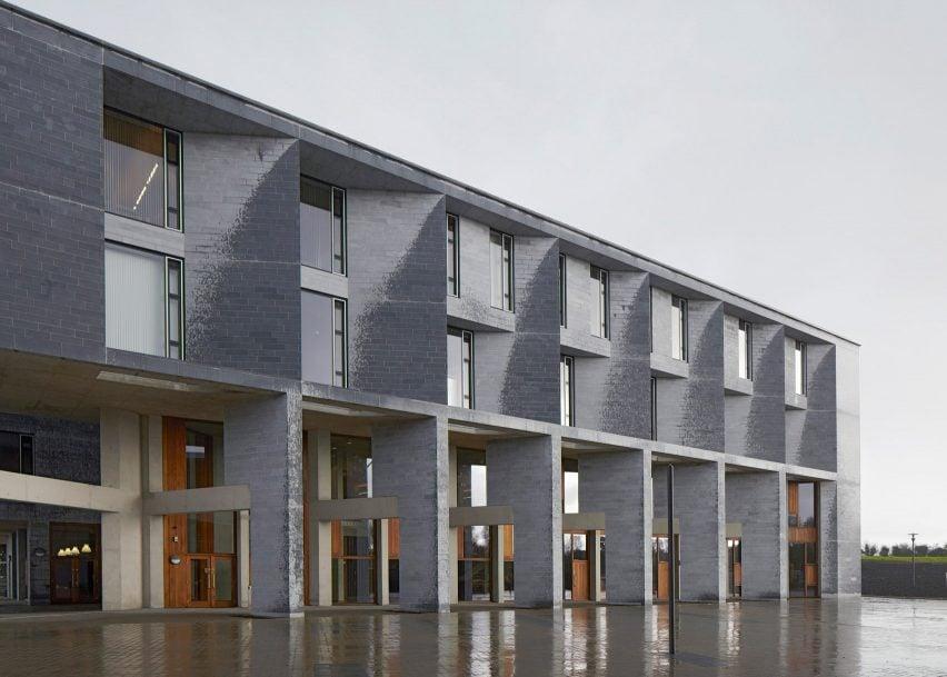 University of Limerick Medical School, Residences, Piazza and Pergola; Limerick, Ireland, 2012
