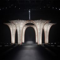 Hyelmo erects plywood columns for Versace's autumn winter show
