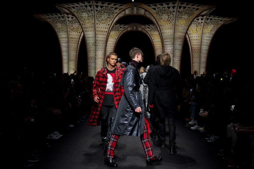 Versace X Hylemo show
