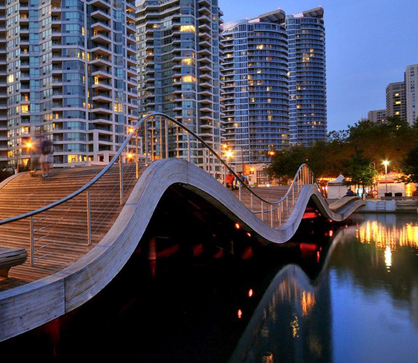 WaveDecks by Roger du Toit, photograph by Waterfront Toronto