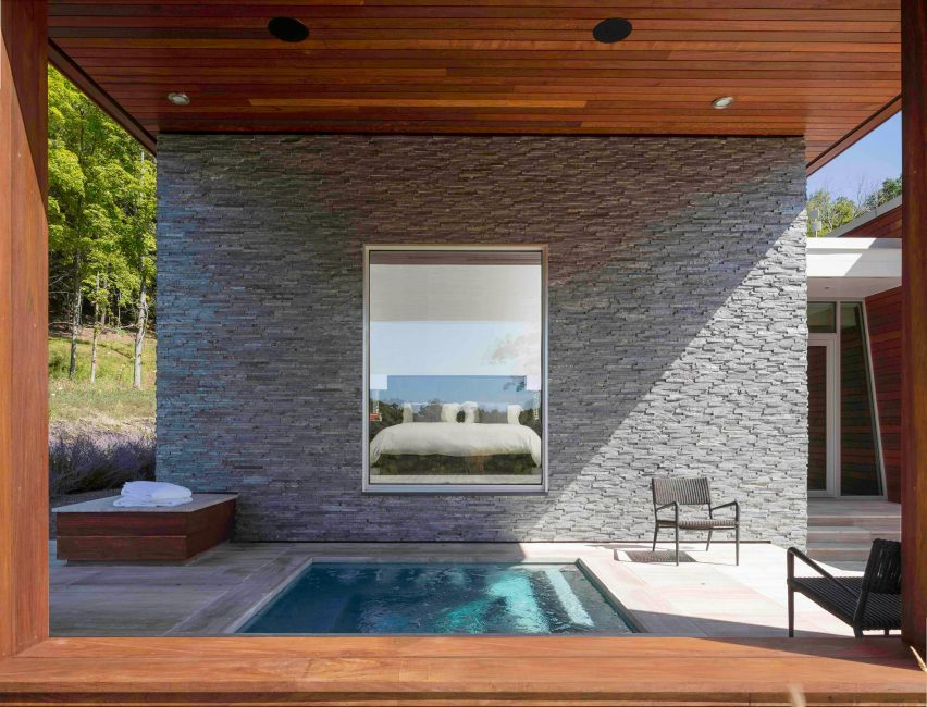 Taghkanic House by Hariri & Hariri - bedroom across courtyard with small pool