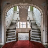 Matt Van der Velde Architecture Abandoned Asylums Interior Jonglez Publishing