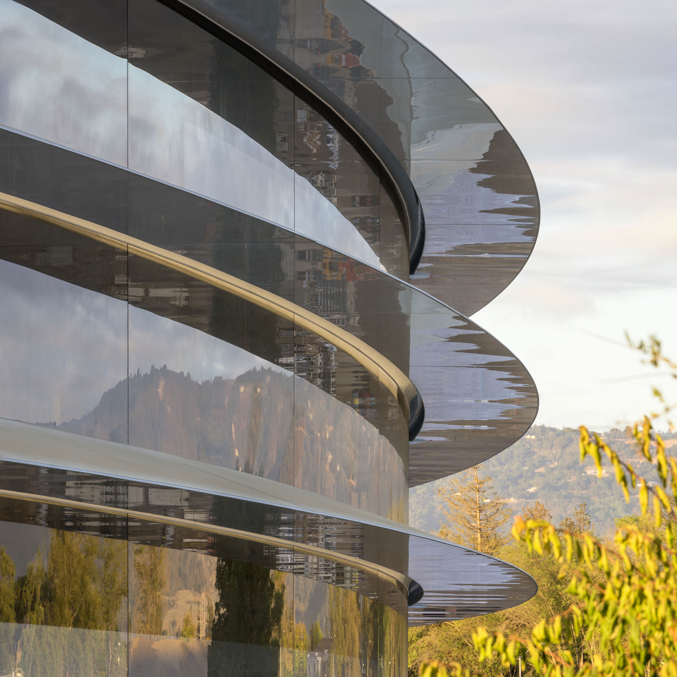Foster + Partners' Apple Park set for April 2017 opening