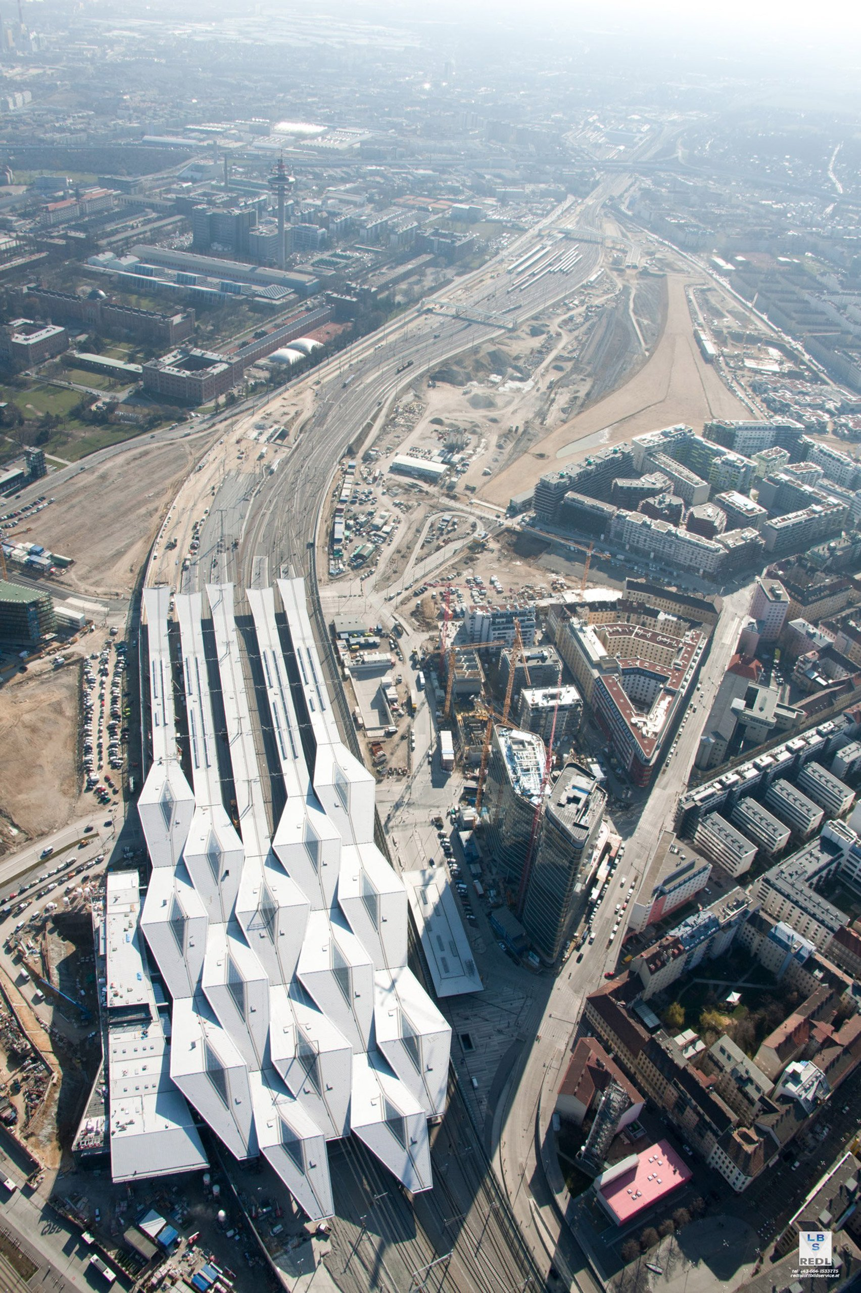 """""""Crystalline"""" roof by Theo Hotz zigzags over Vienna Central Station"""