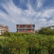 Hamptons Beach House by Aamodt Plumb