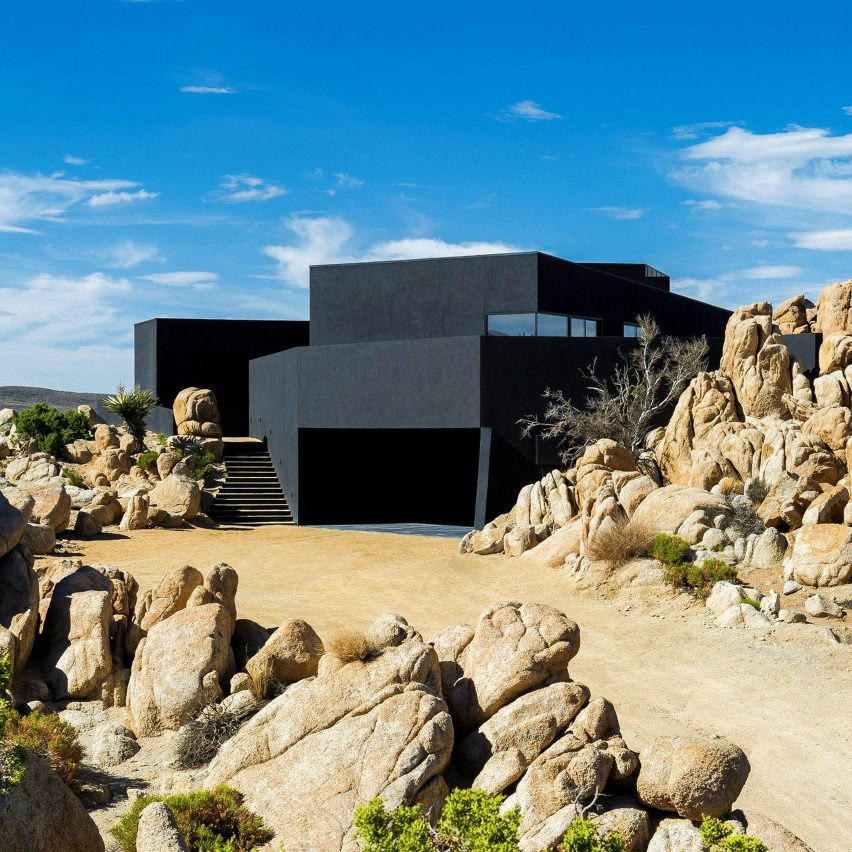 Black Desert House by Oller & Pejic