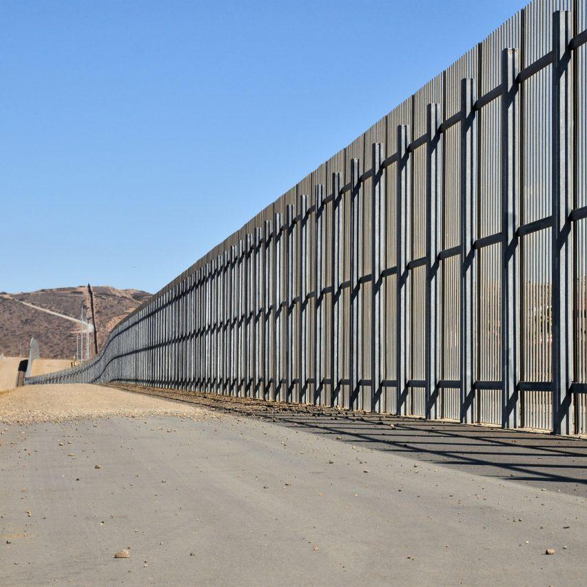 US/Mexico border fence at El Paso, TX