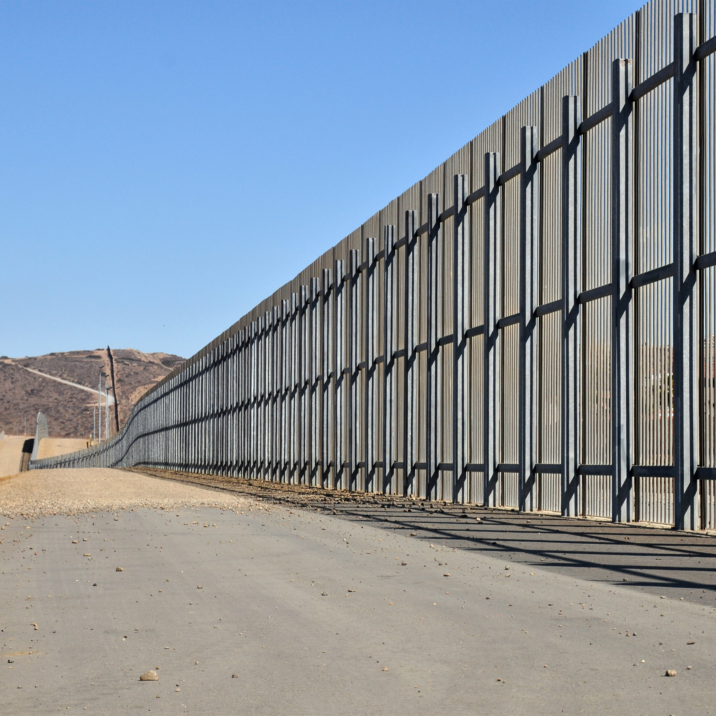 Architects encouraged to walk out in Trump wall protest
