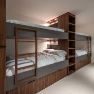 Bunk beds Martis Camp 506 by Blaze Makoi Califronia Holiday Home