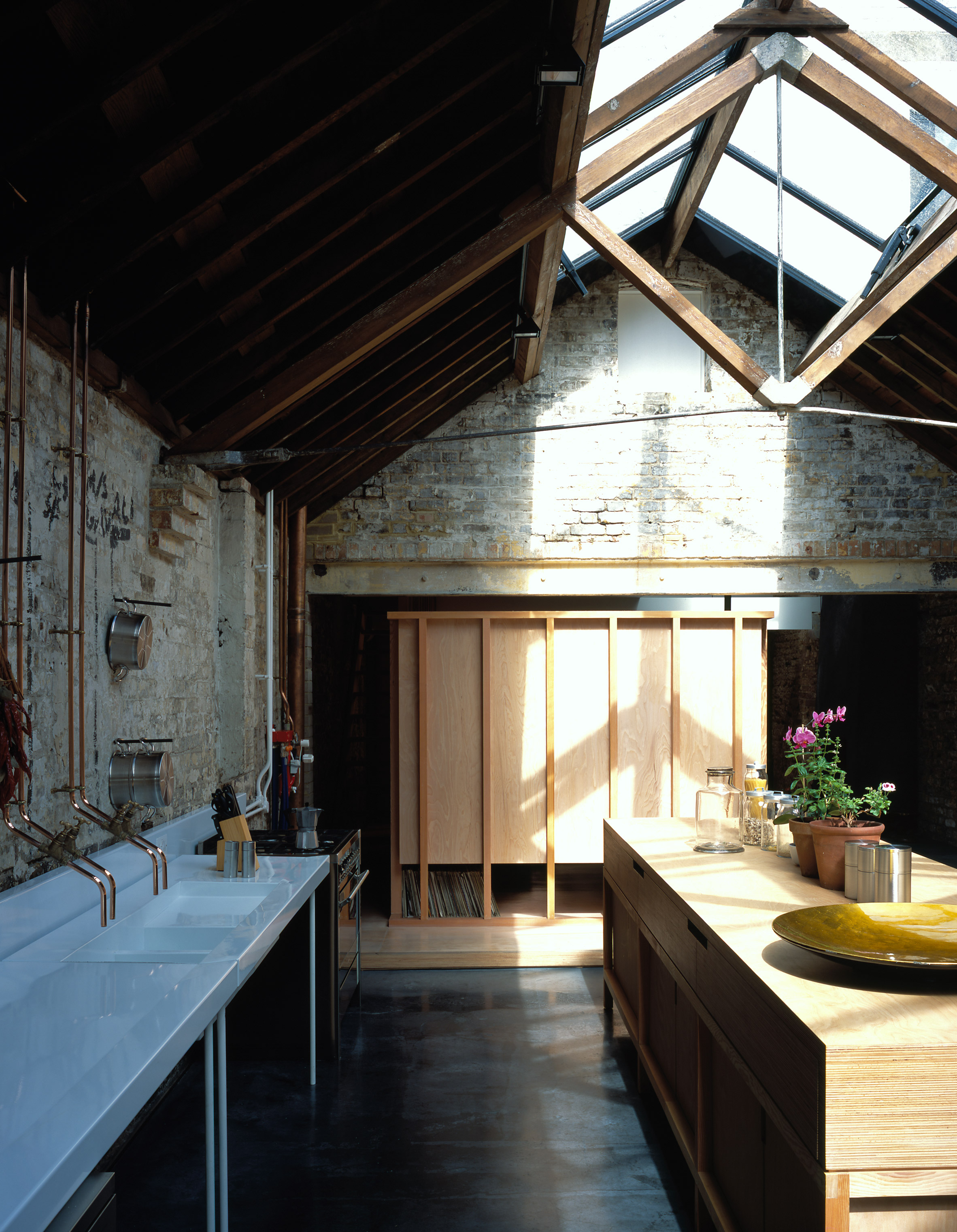 brickhouse kitchen james island 3novices explores jonathan tuckey s home in a former 4900