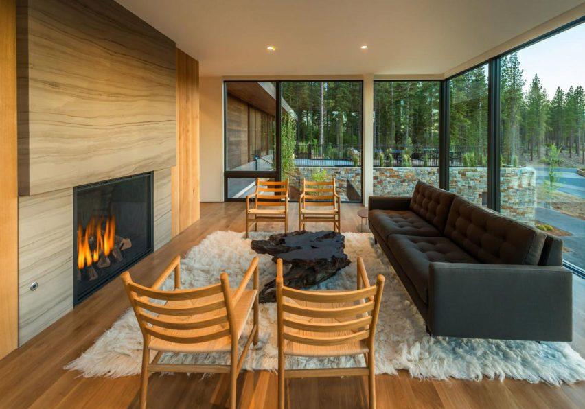 Living Martis Camp 506 by Blaze Makoi Califronia Holiday Home