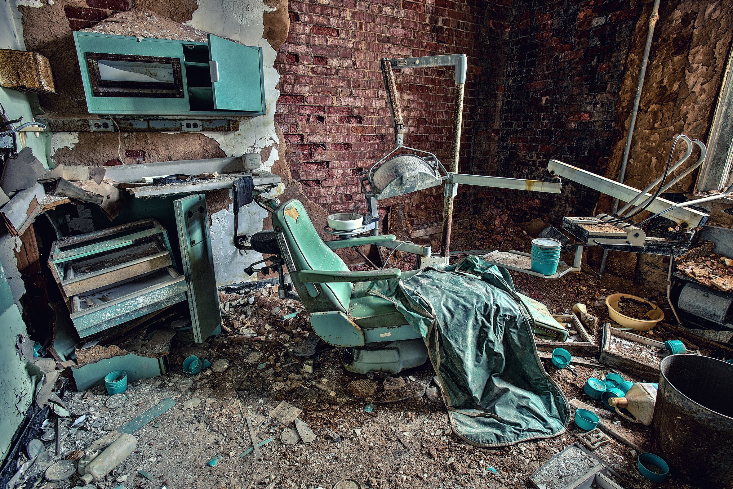 Matt Van der Velde photographs abandoned insane asylums