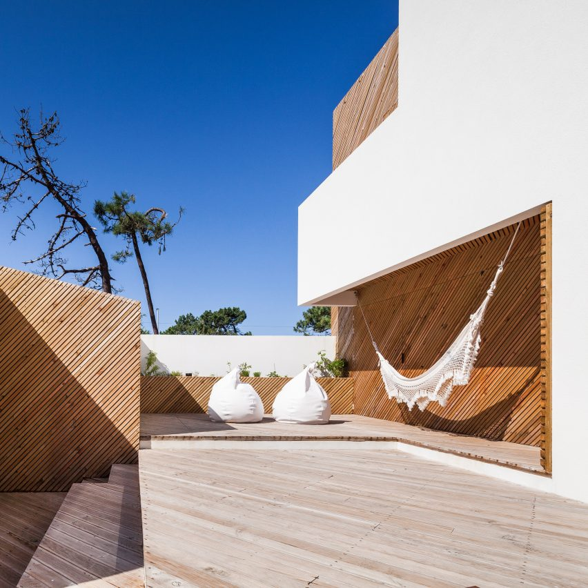 10 homes from Dezeen's Pinterest boards that use hammocks, net and