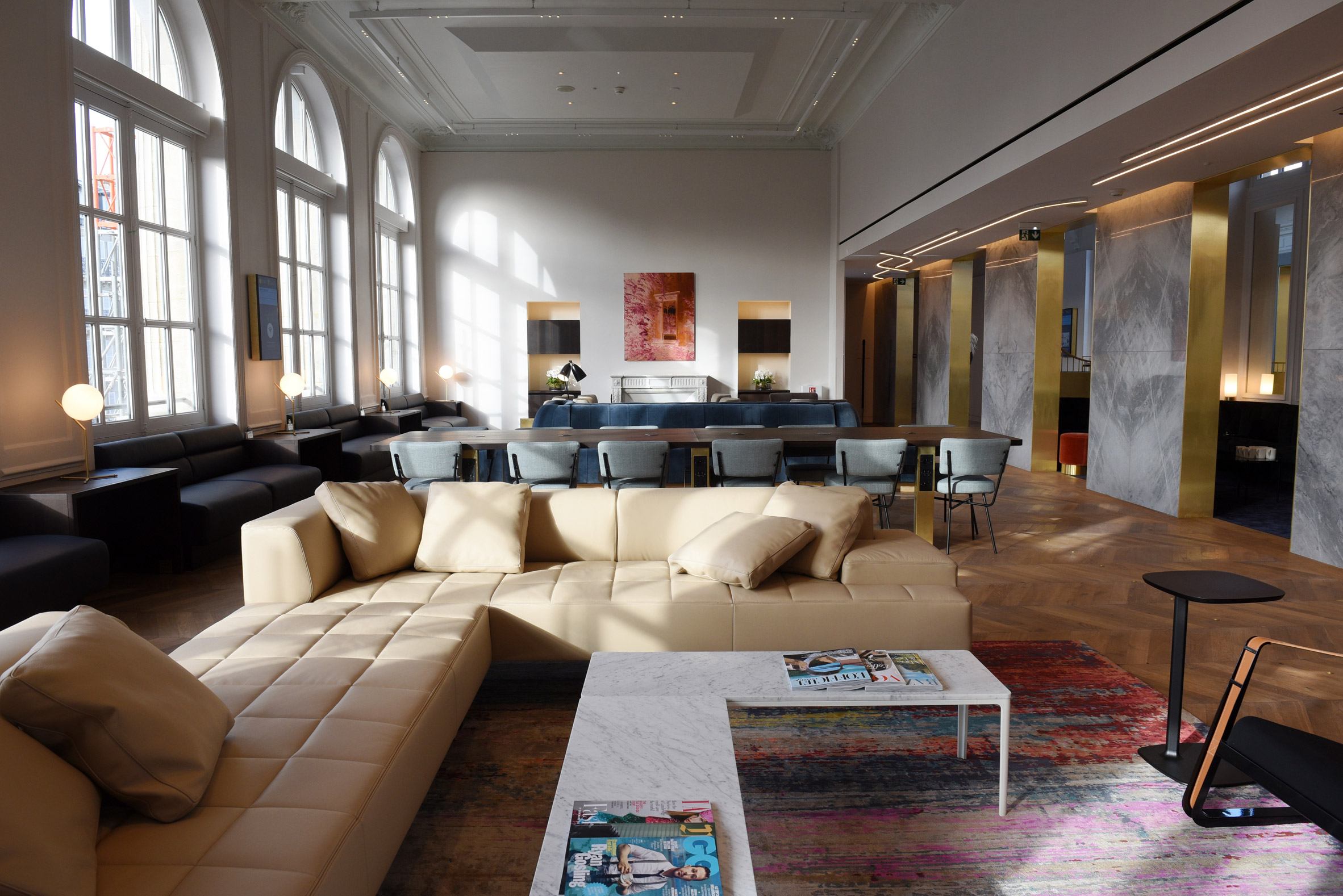 Softroom uses luxury materials to create decadent apartment-like Eurostar lounge in Paris
