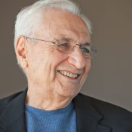 Frank Gehry to teach online architecture course