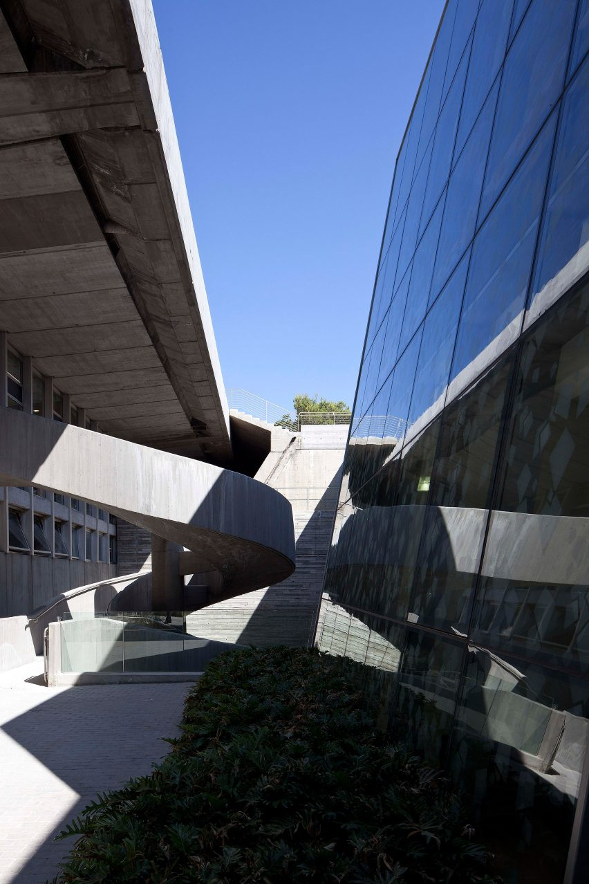 Haifa University Library by Oscar Niemeyer