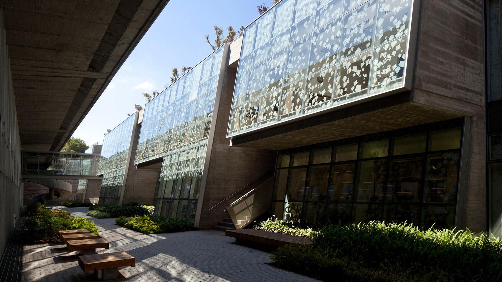 Haifa University Library by Oscar Niemeyer