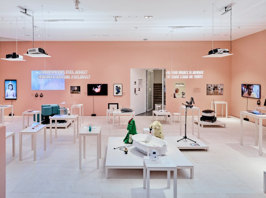 D Exhibition Design : Hello robot exhibition explores our mixed feelings for