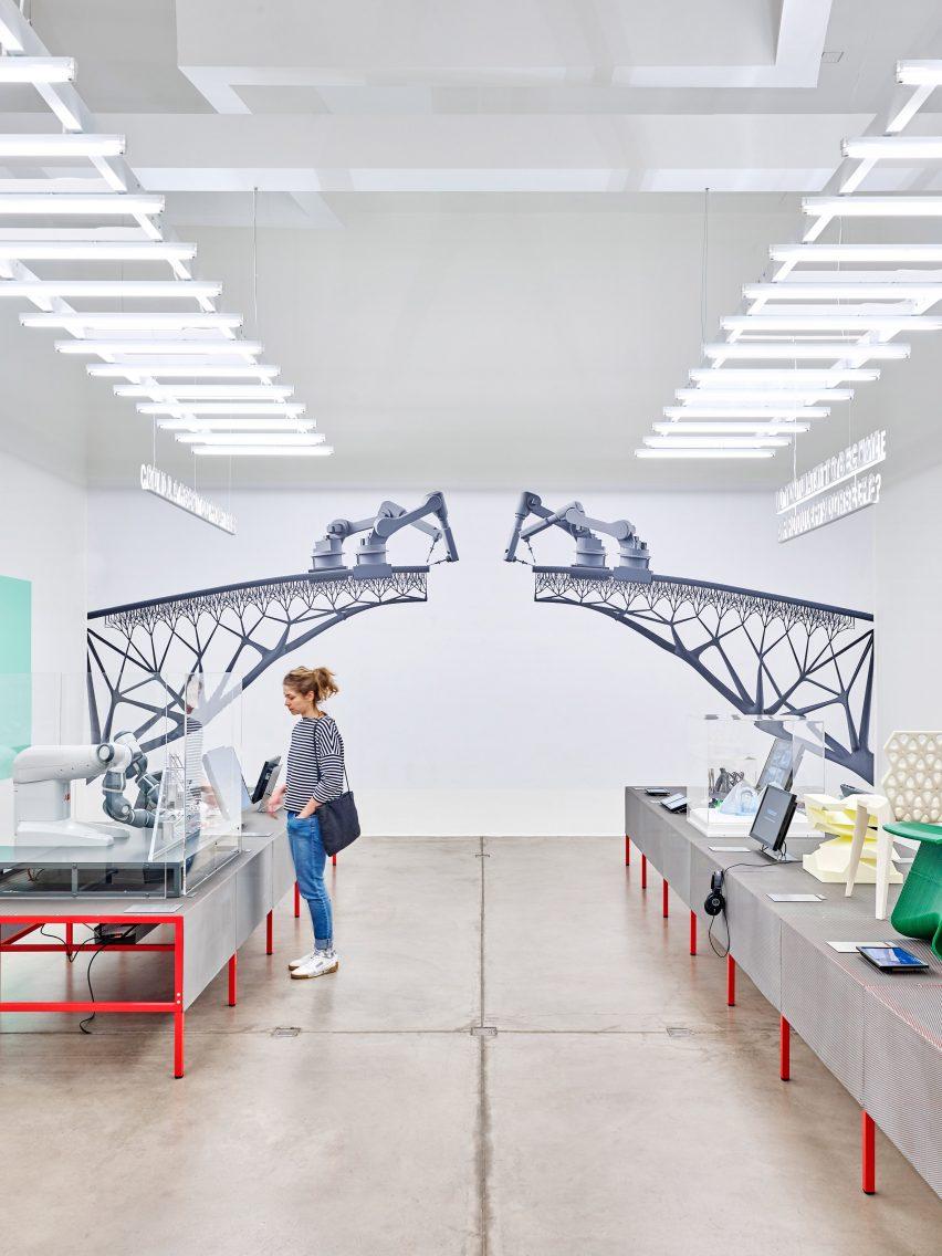 hello robot exhibition explores our mixed feelings for intelligent rh dezeen com
