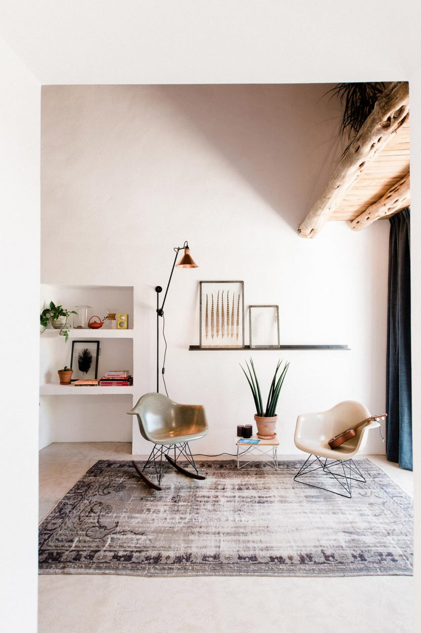 Standard Studio transforms 200-year-old Ibizan stable into self ...