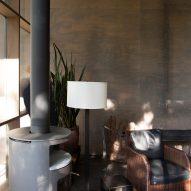 Living room Junsei House by Suyama Peterson Deguchi