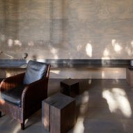 Arm chair Junsei House by Suyama Peterson Deguchi