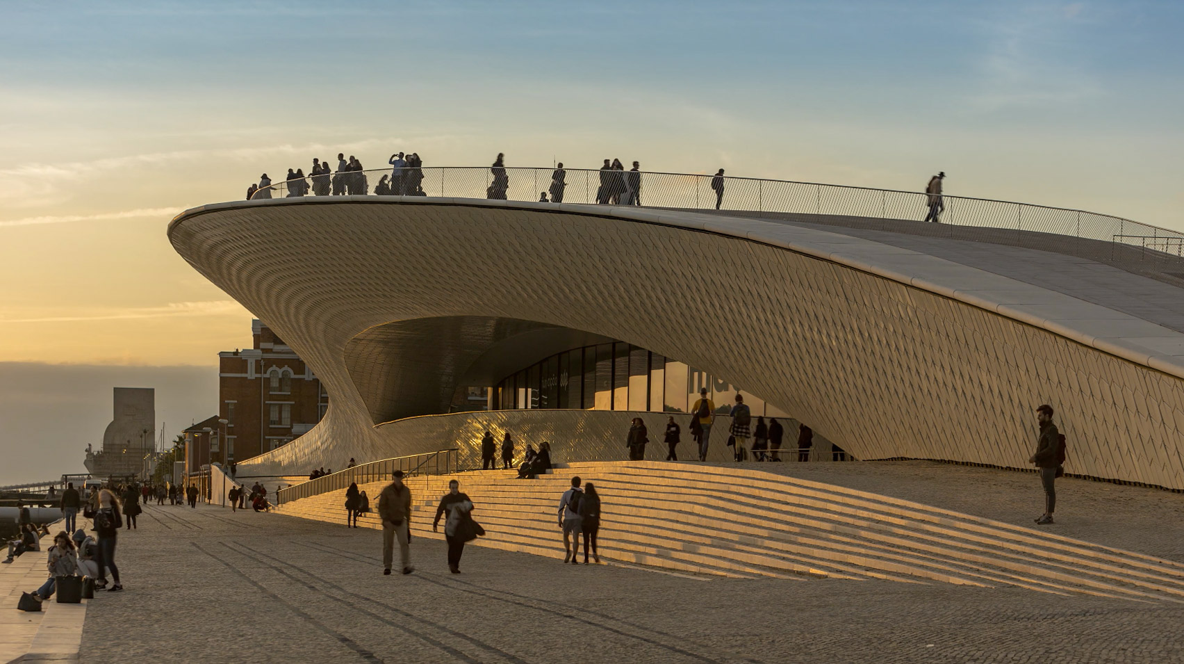Timelapse movie by Alejandro Villanueva shows Amanda Levete's sinuous MAAT museum
