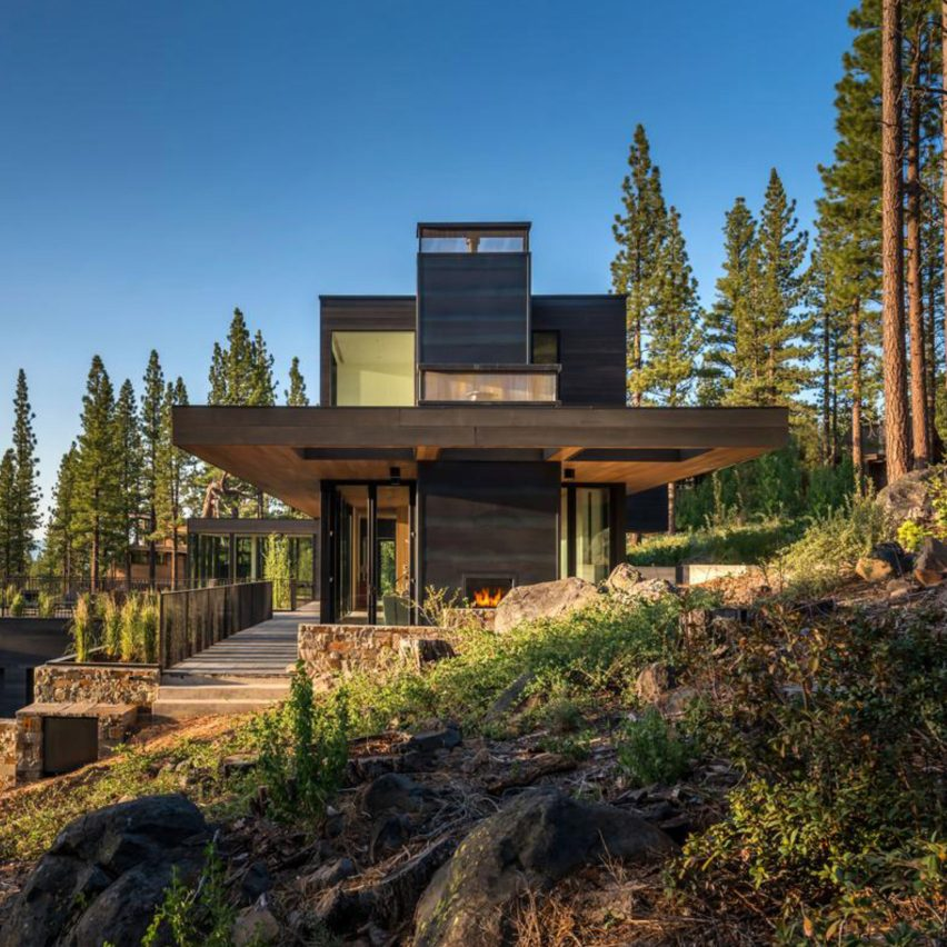 Californian home by blaze makoid steps down a forested for Lake tahoe architecture firms