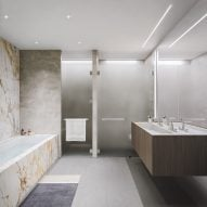 Master bathroom - 121 E 22nd St OMA Rem Koolhaas Residential Tower