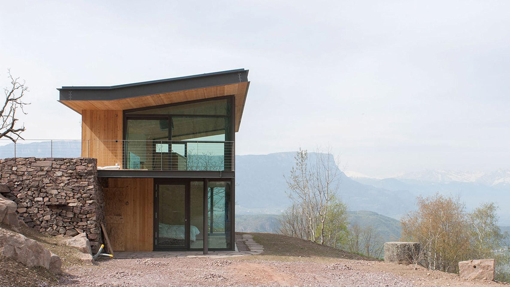 Mountain retreat by Modostudio