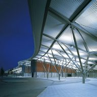 Calatrava's Greenwich Peninsula scheme threatens Foster-designed transport hub