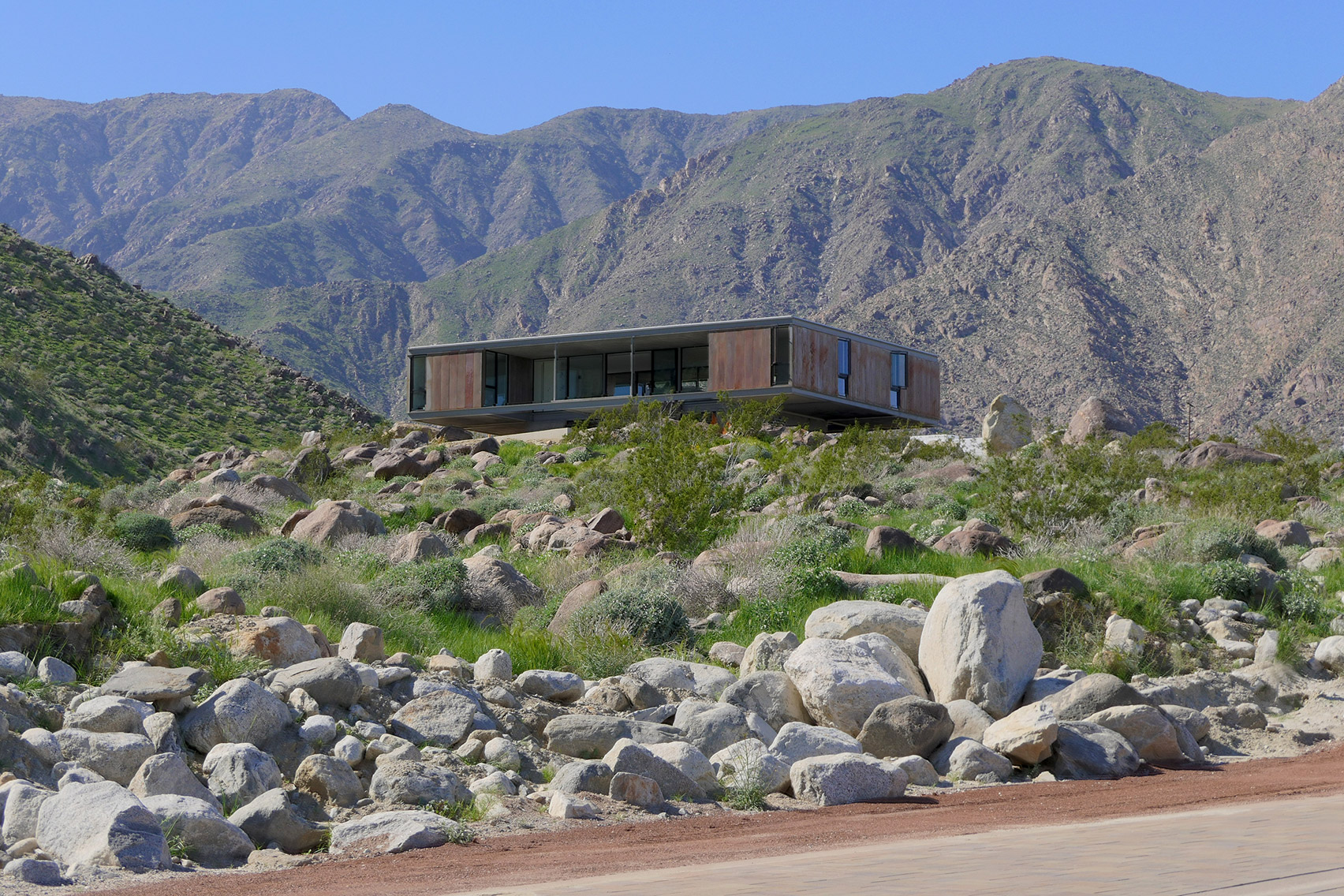 Al Beadle home realized in Palm Springs Chino Canyon