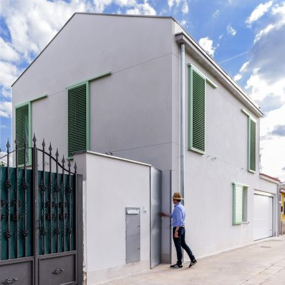 Enrique Jerez And Jesus Alonso Incorporate Printing Press Carpentry Studio Into House In Northern Spain