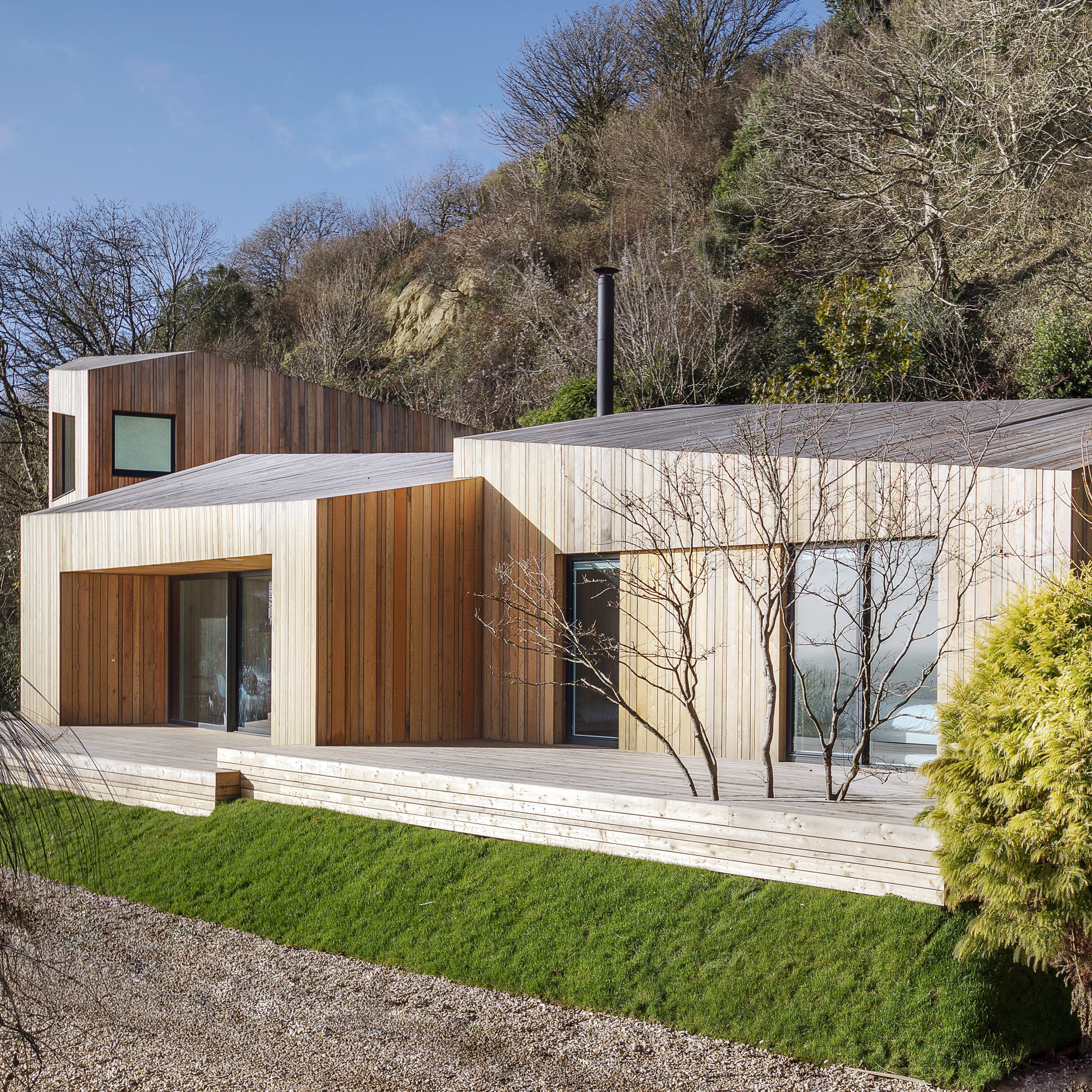 AR Design Studio Replaces Landslide Damaged Holiday Home With Larch Blocks