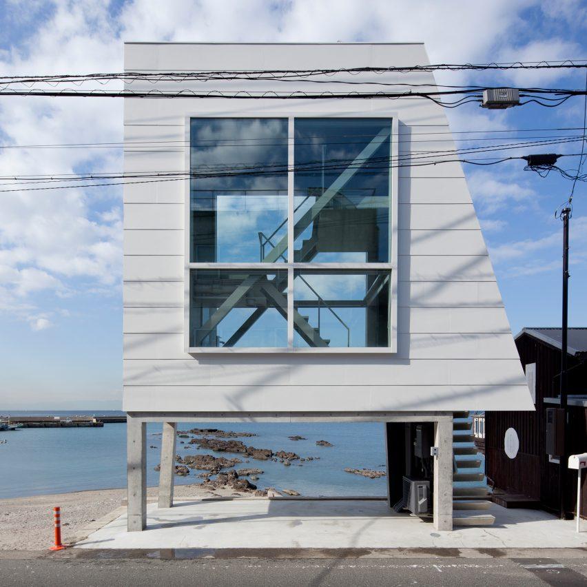 Window House by Yasutaka Yoshimura