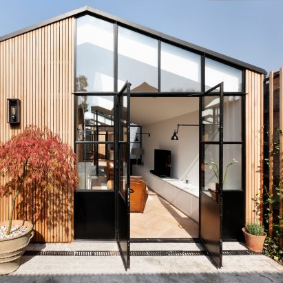 Courtyard House by De Rosee Sa