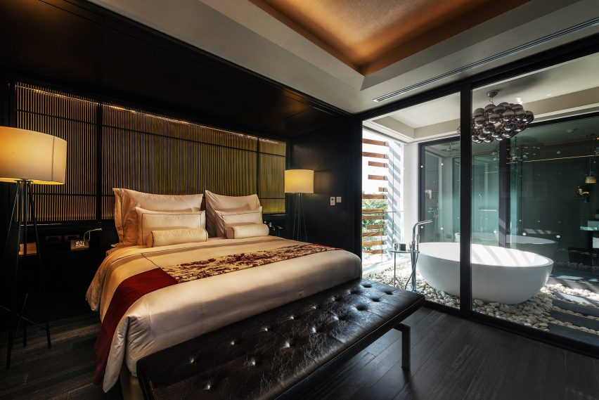 The Award Winning Guestrooms In Thailands Akyra Manor Hotel