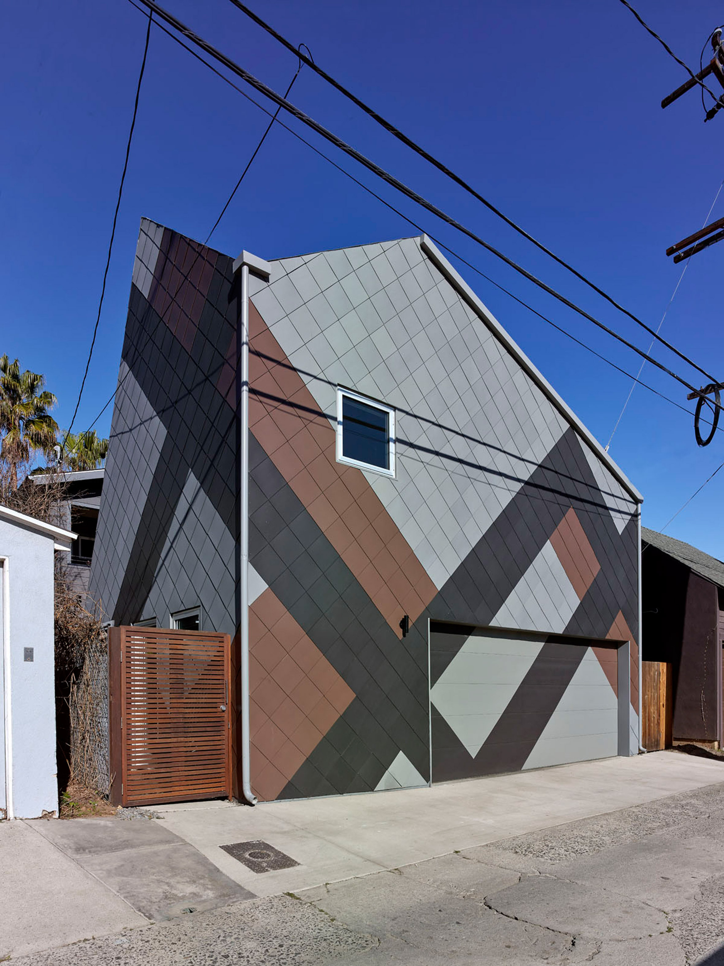 Jagged roof tops video studio in Venice Beach by Modal Design