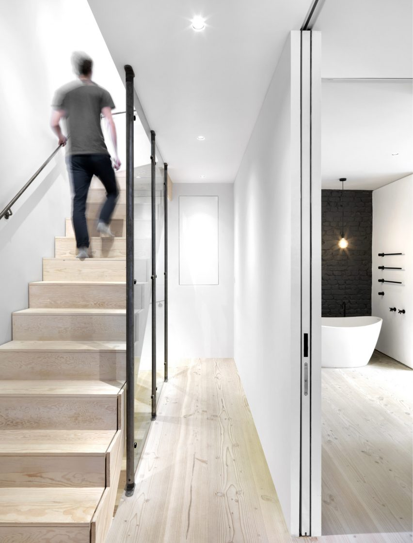 Interior design home uk - Black White Mews By Threefold Architects