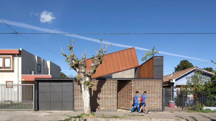 Casa Lautaro by Felipe Alarcón Carreño