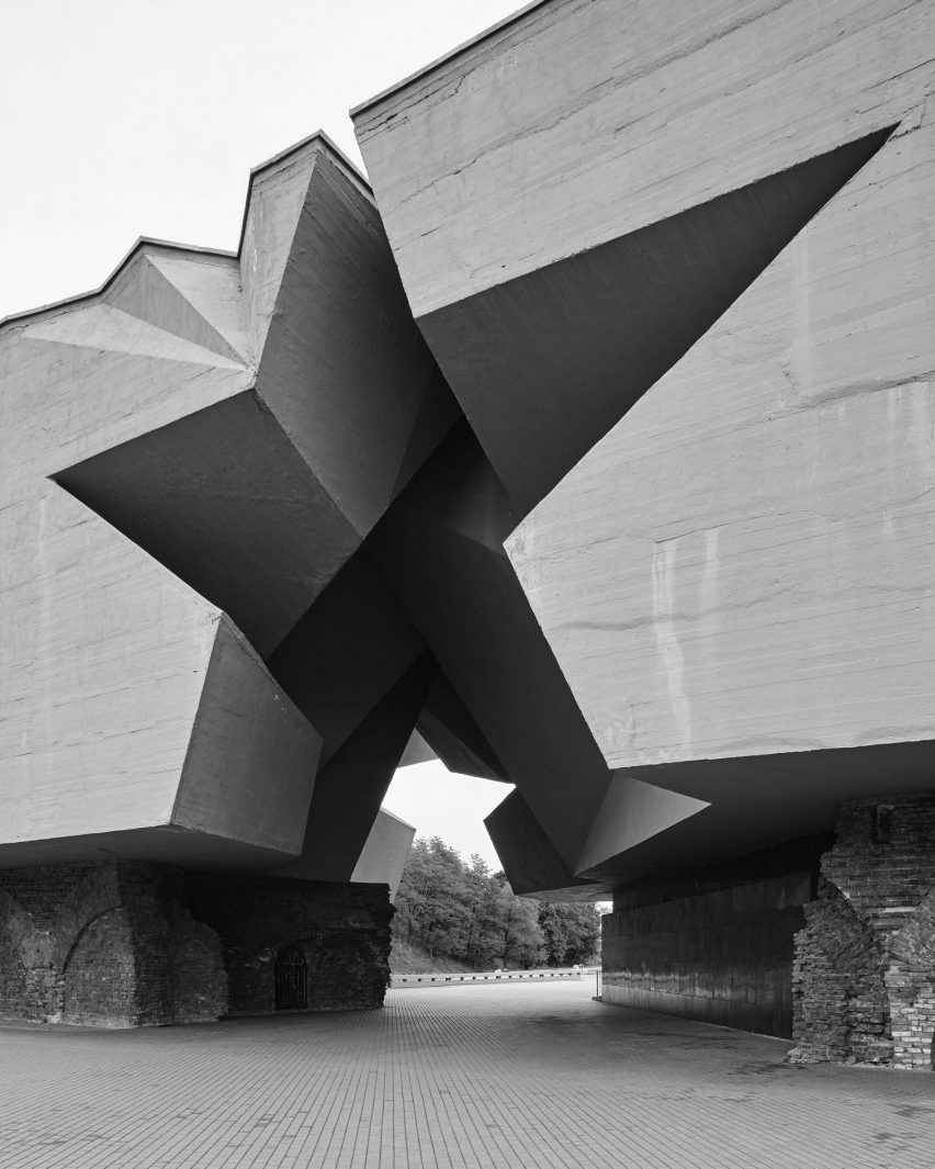 Composite ex-soviet war memorials by Jan Kempenaers